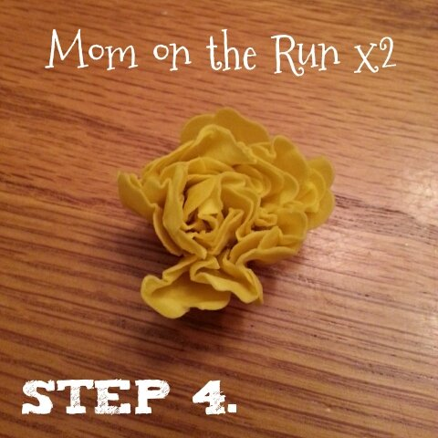easy 3d paper flowers step 4