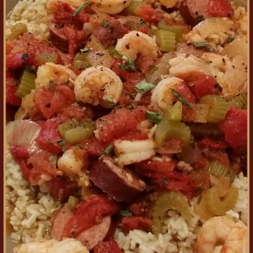 Easy Jambalaya Recipe (& Tasty Tuesday Link Up!) via Mini Van Dreams #recipes #easyrecipes #tastytuesday