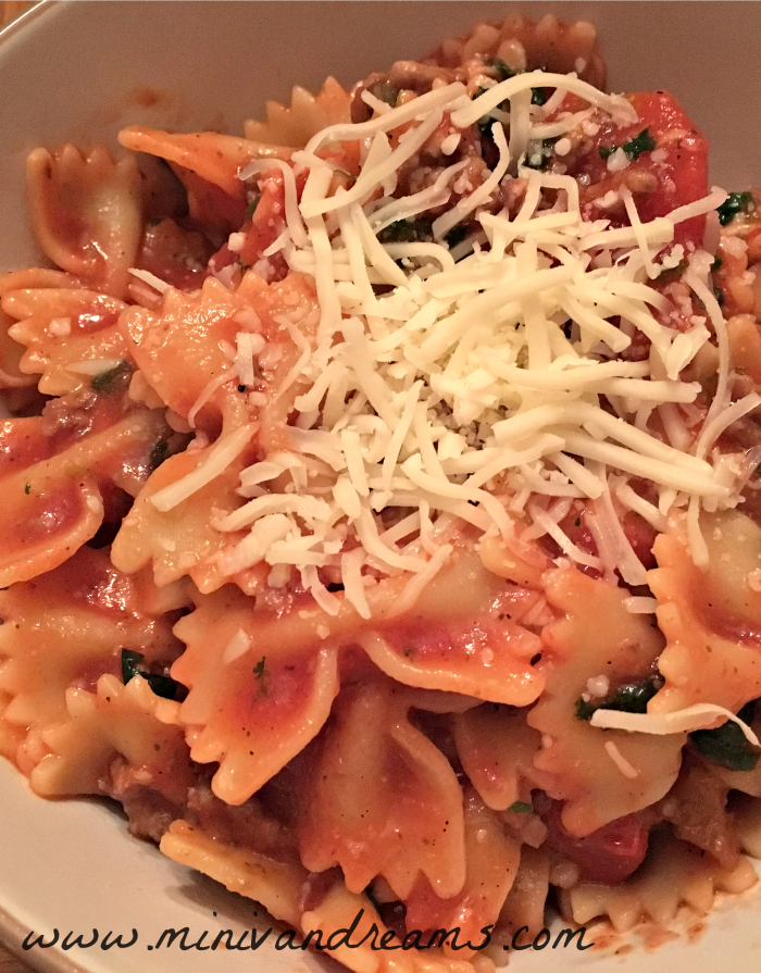 Tomato and Spinach Pasta | Mini Van Dreams